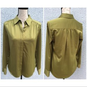 Women's Buttons down Green Blouse hidden closure